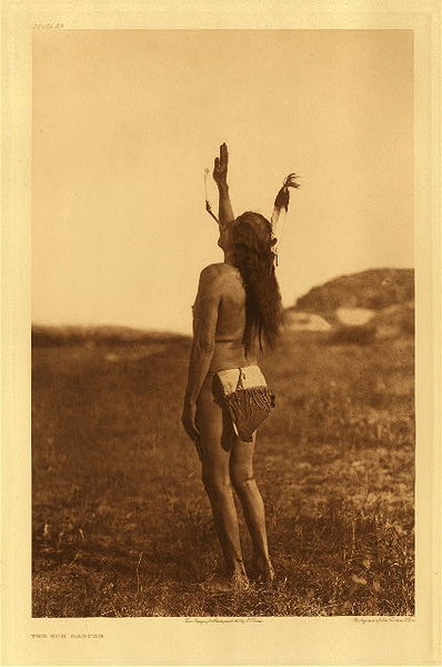 Edward S. Curtis - Plate 083 The Sun Dancer - Apsaroke border=