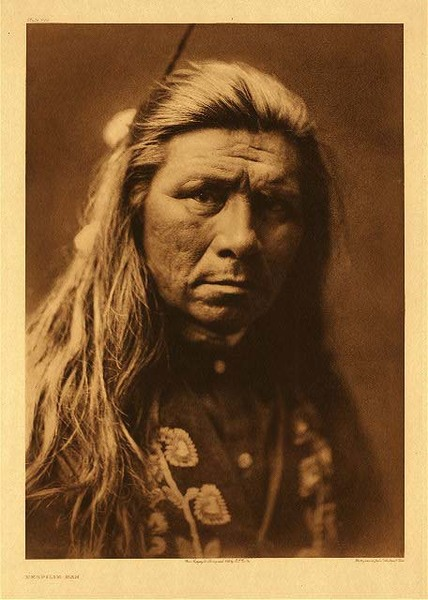 Edward S. Curtis - Plate 244 Nespilim Man border=