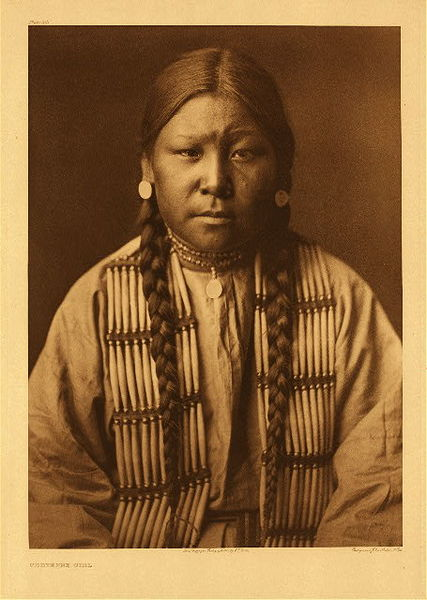 Edward S. Curtis - Plate 212 Cheyenne Girl border=