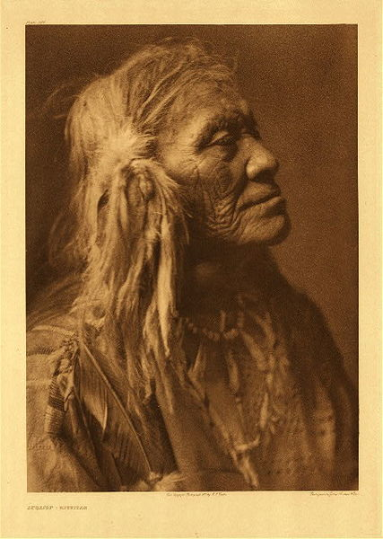 Edward S. Curtis - Plate 247 Luqaiot - Kittitas border=