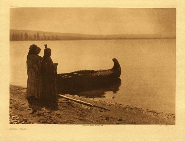 Edward S. Curtis - Plate 253 Kutenai Girls border=