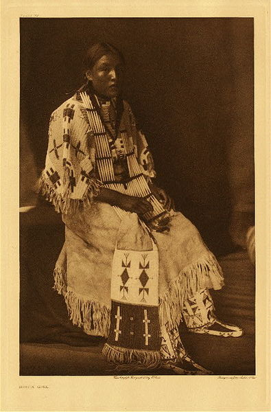 Edward S. Curtis - Plate 097 Sioux Girl border=