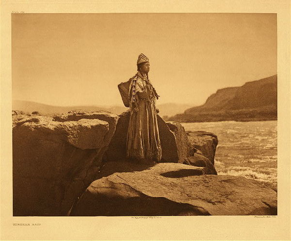 Edward S. Curtis -   Plate 284 Wishham Maid border=