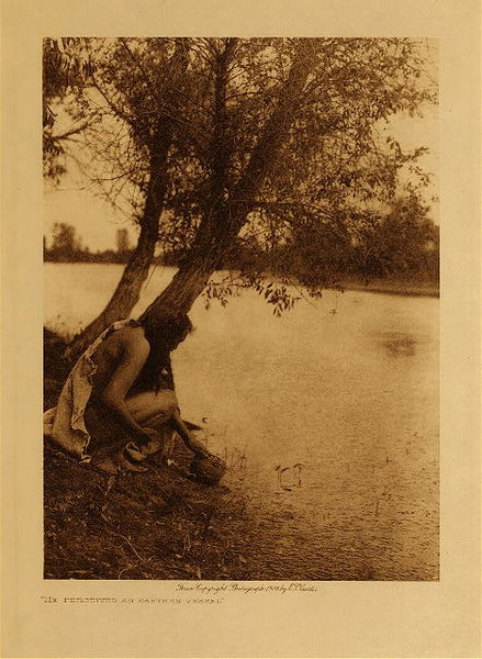 Edward S. Curtis - He Perceived an Earthen Vessel border=