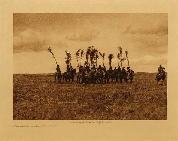 Edward S. Curtis - Return With Willows - Piegan border=