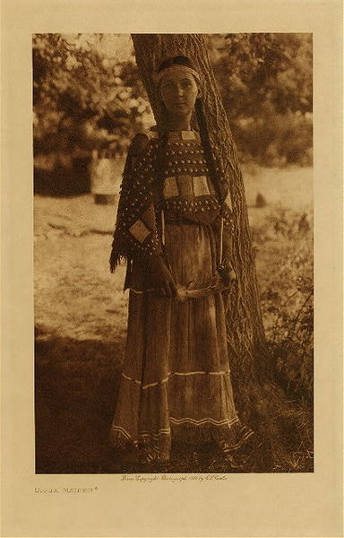 Edward S. Curtis - Sioux Maiden border=