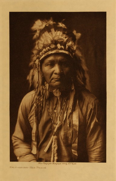 Edward S. Curtis - Half-shorn - Nez Perce border=
