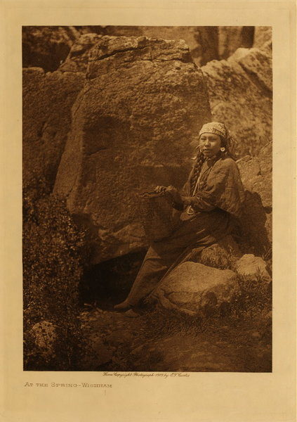 Edward S. Curtis - At the Spring - Wishham border=