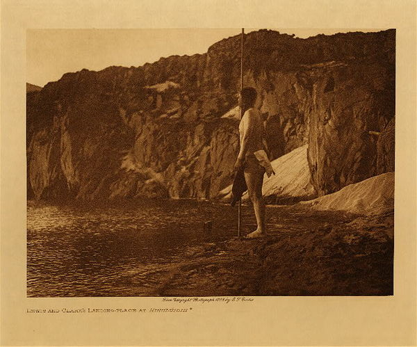 Edward S. Curtis - Lewis and Clark's Landing - Place at Nihhluidih border=