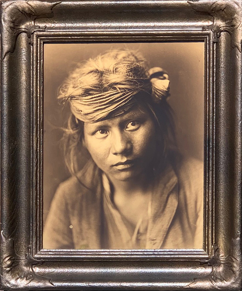 Edward S. Curtis - Son of the Desert - Navaho border=