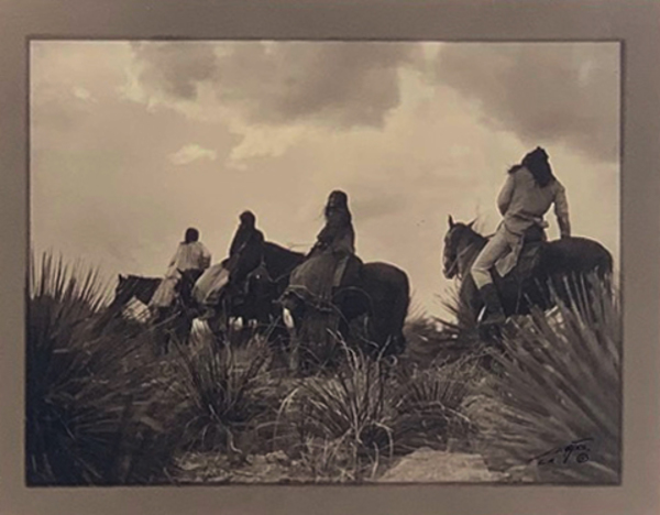 Edward S. Curtis - The Storm - Apache border=