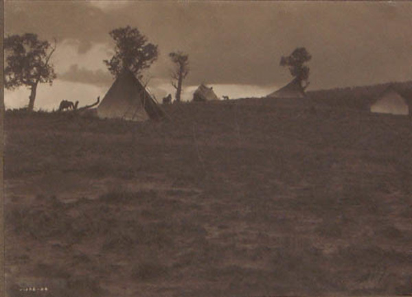 Edward S. Curtis - Hilltop Camp -Jicarilla border=