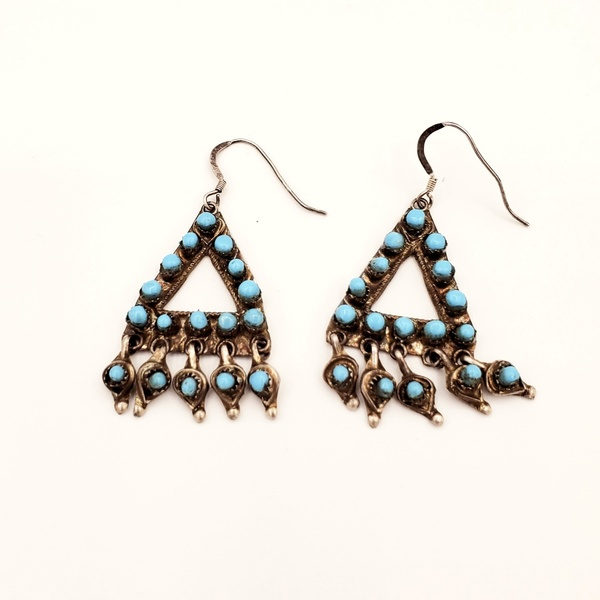 Old Pawn Jewelry - Earrings: Unique Zuni Triangle Design border=