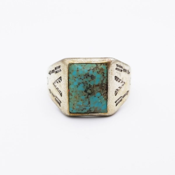 Old Pawn Jewelry - Ring: Navajo