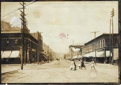 Title: Hyman Avenue looking towards the Wheeler , Date: c. 1904 , Size: 5 x 7 inches , Medium: Silver Gelatin Photograph , Edition: Vintage