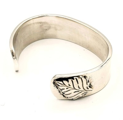 Title: Bracelet: Small smooth w/Side Leaf , Size: 2 1/4 inch , Medium: Sterling Silver , Signed: Signed