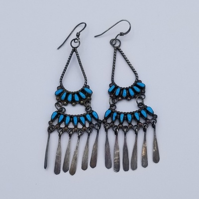Title: Earring Zuni Peti Point