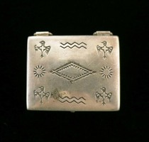 Title: Box:  Vintage Rectangler Silver Box with Birds , Size: 1 1/8