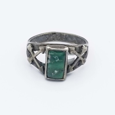 Title: Ring: Vintage Fred Harvey Green Turquoise with Arrows , Size: 7.5 , Medium: Sterling Silver , Edition: Vintage