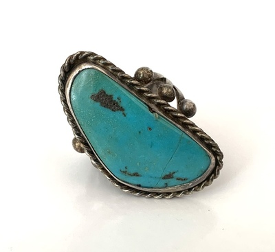 Title: Ring: Navajo Beautiful Turquoise Stone