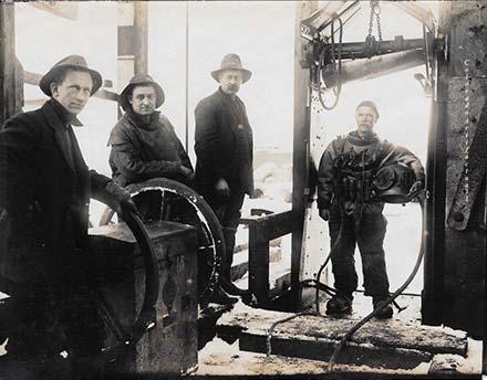 Deep-sea-diver-at-Smuggler-Mine-Aspen-1900